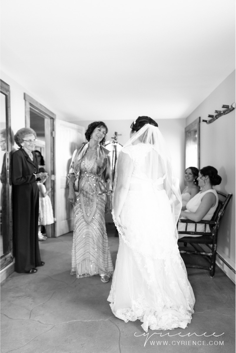 Cyrience_Perona_Farms_New_Jersey_Barn_Wedding-10